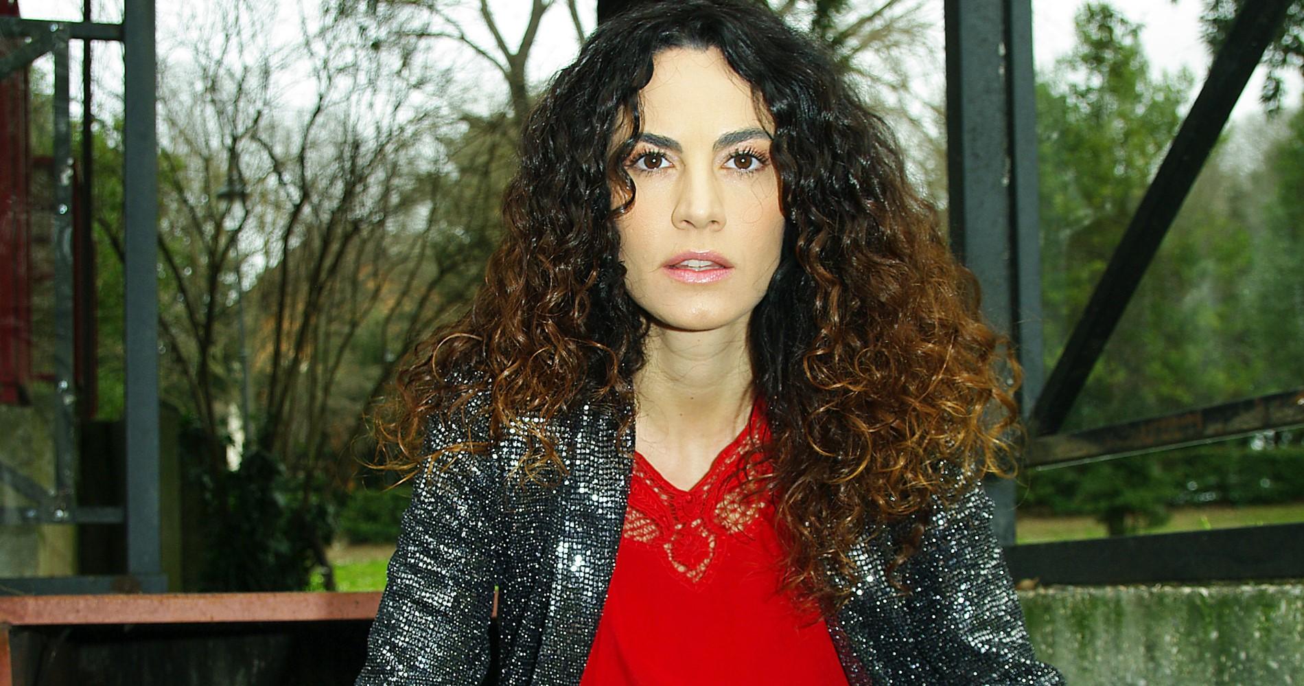 """<span class=""""entry-title-primary"""">Intervista a Enrica Guidi: """"Da Tiziana del BarLume a madre disperata ne 'L'eroe'""""</span> <span class=""""entry-subtitle"""">L'attrice livornese presenta il suo personaggio ne """"L'eroe"""", film in uscita il 21 marzo, e ripercorre le tappe più significative della sua carriera.</span>"""