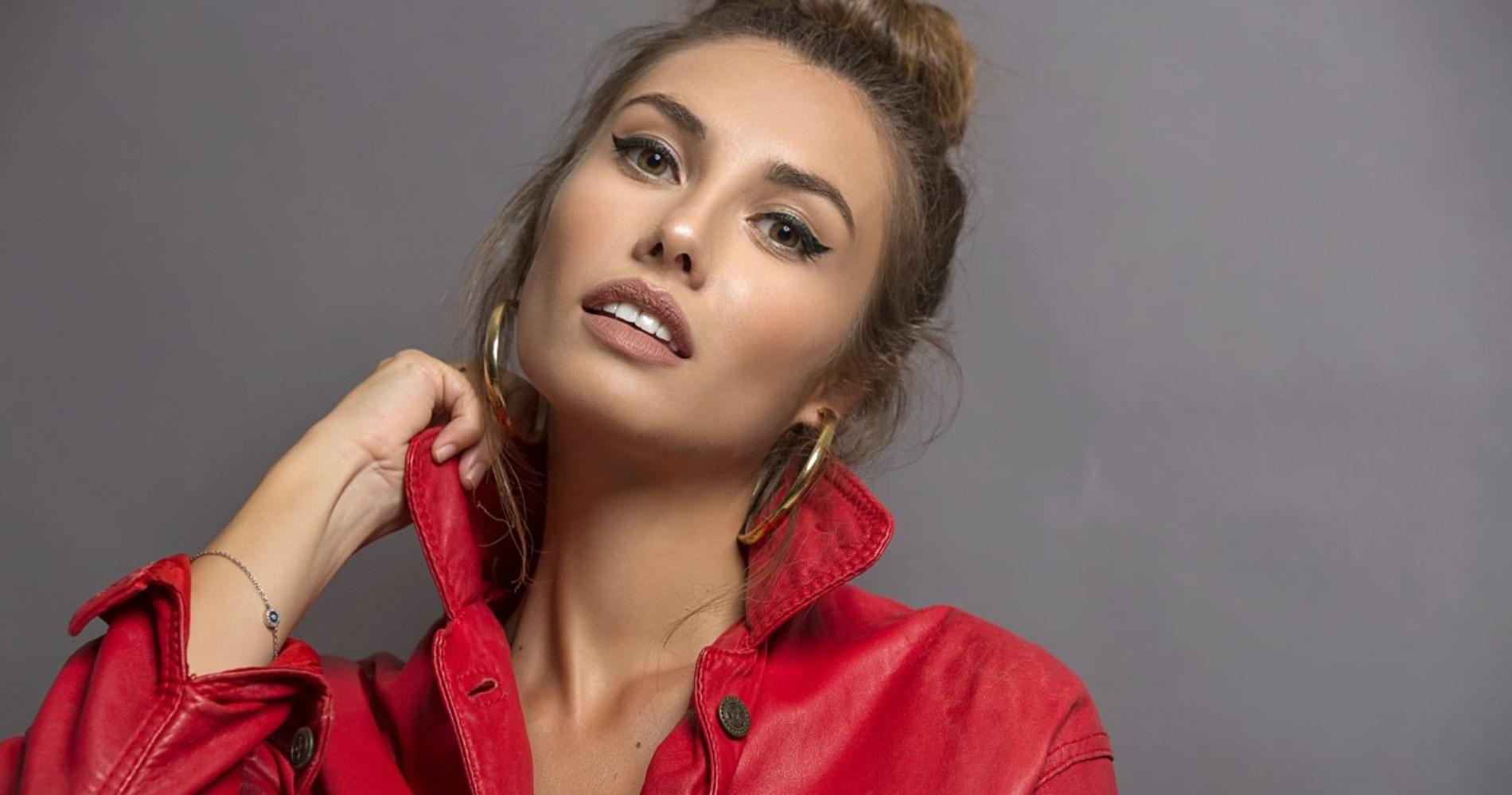 """<span class=""""entry-title-primary"""">Intervista a Simona Di Bella: """"Tra 'TuttApposto' e 'Don Matteo' aspettando Tornatore""""</span> <span class=""""entry-subtitle"""">L'attrice siciliana parla del suo grande momento sul grande schermo e si prepara a vestire nuovamente i panni di Assuntina in """"Don Matteo"""".</span>"""
