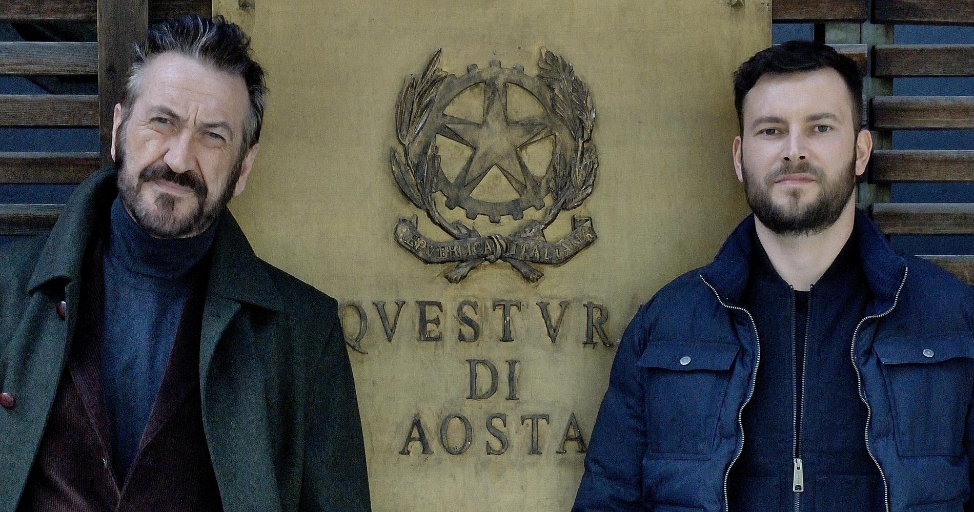 """<span class=""""entry-title-primary"""">Intervista a Ernesto D'Argenio: """"Vi svelo il segreto del successo di Rocco Schiavone""""</span> <span class=""""entry-subtitle"""">L'attore milanese racconta, su La voce dello schermo, l'evoluzione del personaggio di Italo e parla degli aspetti che rendono unica la serie con Marco Giallini protagonista. </span>"""